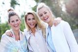 Happy group of friends outside in autumn season - 171207149