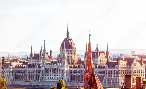 Papiers peints Budapest Budapest, Hungary. View of Budapest parliament. Image filtered with cross processed.