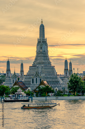 Wat Arun or Temple of Dawn on the banks of the Chao Praya River in Bangkok, Thai