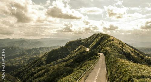 Foto op Plexiglas Beige A asphalt road on the mountaintop