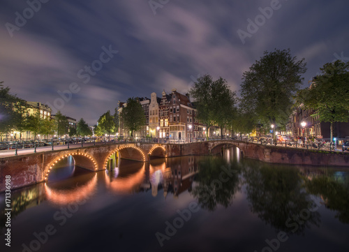Foto op Plexiglas Amsterdam Amsterdam by night