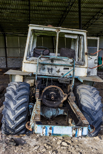 Aluminium Trekker old unused tractor