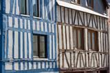 Rouen. Maisons à colombages  multicolores rue Beauvoisine - 171410947
