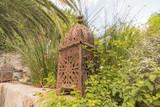 Alte verrostete Gartenlampe - 171431724