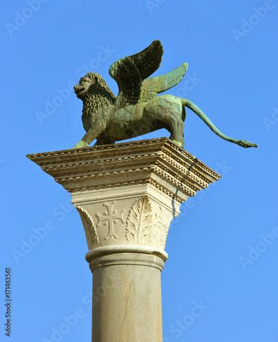 Foto op Plexiglas Venetie Winged lion sculpture in Venice