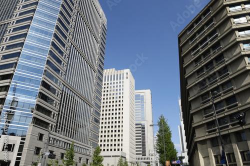 東京丸の内の街並み Poster