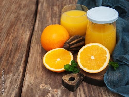 Fotobehang Sap Jar of orange juice
