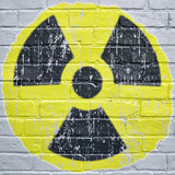 Graffiti, symbole radioactivité - 171544924