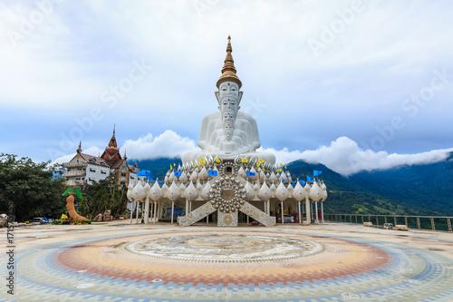 Foto op Canvas Boeddha Pha Sorn Keaw Temple