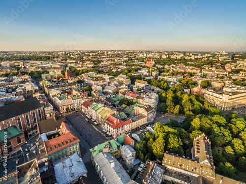 Kraków - stare miasto z powietrza. Krajobraz miasta z lotu ptaka, z Małym Rynkiem.