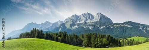 Leinwandbild Motiv Sommer in den österreichischen Bergen - Wilder Kaiser, Tirol, Austria