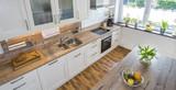 Blick in eine moderne Landhausküche