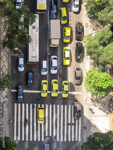 Papiers peints Rio de Janeiro Rio de Janeiro - Circa December 2011: Traffic view from above of a busy street with taxis, bus and motorcycles in Rio de Janeiro