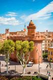 Vue sur la ville de Perpignan depuis une terrasse - 171790763