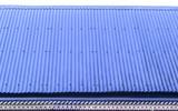 architecture créole typique, toiture en tôle ondulée, frise et lambrequins - 171839362