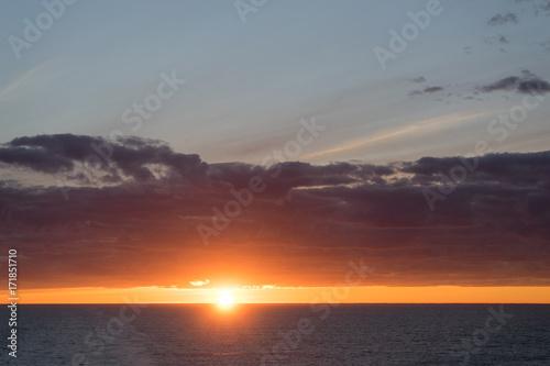 Foto op Plexiglas Zee zonsondergang Puesta de Sol en Cabo Norte