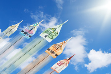 Geld Papierflieger Euro