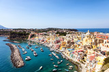 Vue sur la baie de Procida, golfe de Naples, région de Campanie, Italie