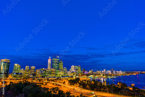 Fotobehang Donkerblauw 夜景 パース 西オーストラリア
