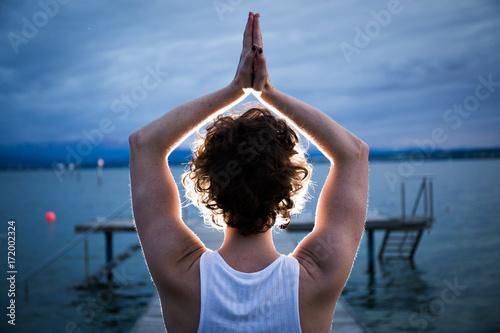 Obraz na płótnie Acrobatic Yoga Lake