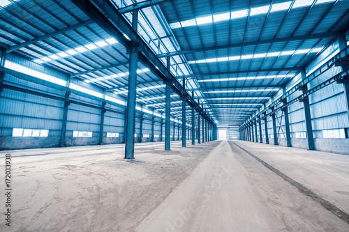 Fotobehang Oude verlaten gebouwen empty steel structure building