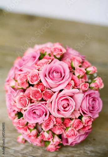 Fototapeta  pink roses - wedding bouquet