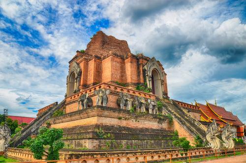 Foto op Canvas Boeddha Wat Chedi Luang temple in Chiangmai Thailand