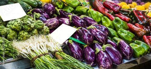 venta de verduras en el supermercado