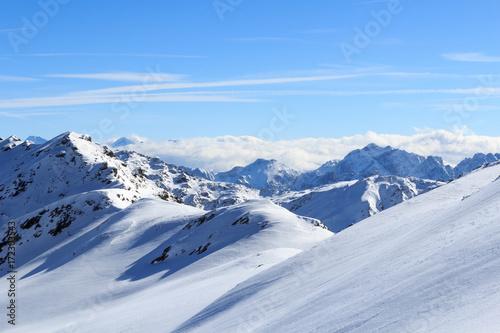 Fototapeta Mountain panorama with snow and blue sky in winter in Stubai Alps, Austria