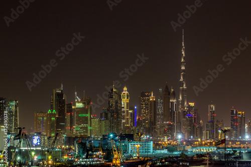 Fotobehang Dubai Dubai Skyline bei Nacht