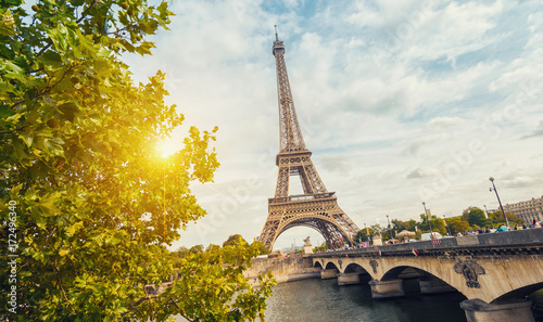 Fotobehang Eiffeltoren Paris, Eiffel tower at sunrise