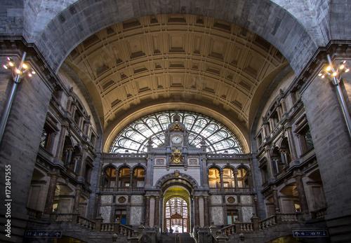 Fotobehang Antwerpen Railway station in Antwerpen Belgium