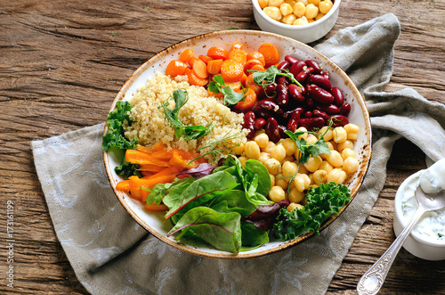 Fotobehang Boeddha Vegetarian Buddha bowl with quinoa and chickpea