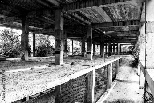 Fotobehang Gebouw in Puin Abandoned unfinished building