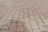 Pflastersteine in einer Fußgängerzone - 173210556