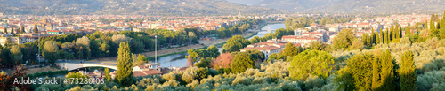 Papiers peints Florence Panoramic view of the city of Florence and the river Arno in Tuscany, Italy