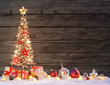 Quadro Wooden Xmas Tree With Rustic Baubles