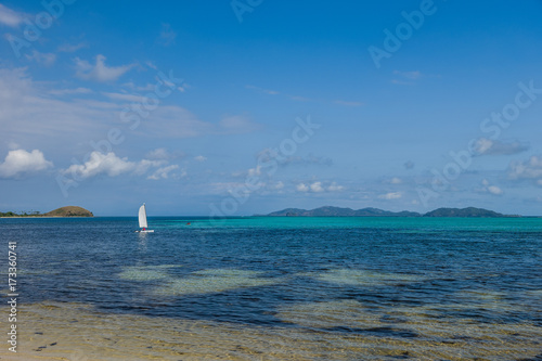Fotobehang Zeilen sailing, Mana Island, Fiji