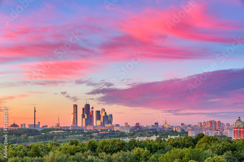 Aluminium Moskou Bright clouds over Moscow City at sunset