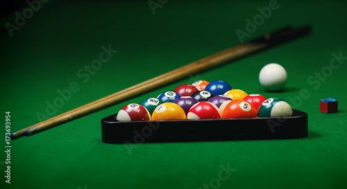 Staande foto Bol Billiard balls pool on green table