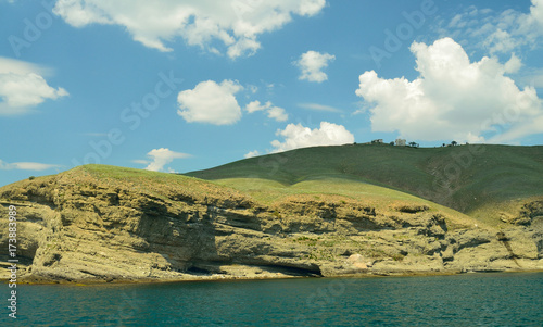 Foto op Aluminium Blauw Sea landscape with mountains.