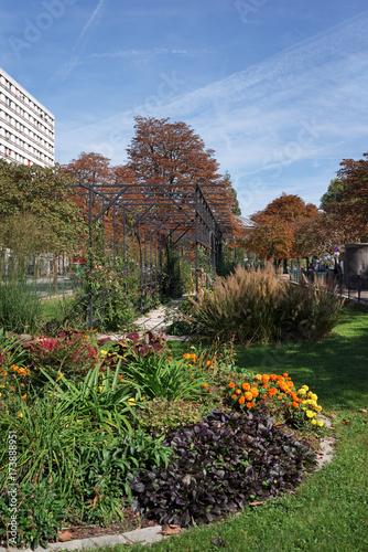 Deurstickers Parijs Jardin Françoise Giroud , Paris boulevard Auguste Blanqui