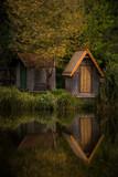 Cottage at hte lake - 173901517