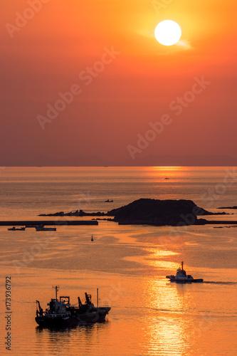 Staande foto Koraal 長崎の夕陽