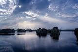 Bauminseln im Prüßsee, Sonnenstrahlen und Reflektionen - 174238724
