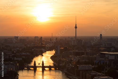 Poster Berlijn Guten Abend Berlin Sonnenuntergang über der Spree