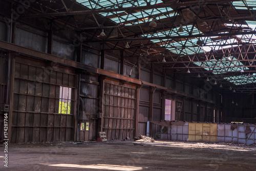 Aluminium Oude verlaten gebouwen Fabrica derruida