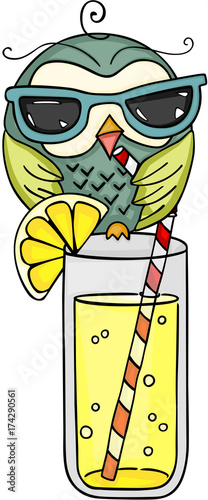 Keuken foto achterwand Uilen cartoon Owl with sunglasses drinking fresh lemonade