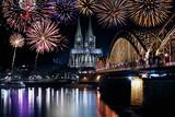 Köln Feuerwerk Silvester - 174347316