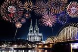 Köln Feuerwerk Silvester - 174347388